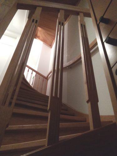 Interieurarchitectuur, trapspijlen