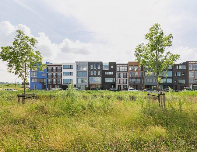 duurzaam bouwen, ecologisch bouwen, natuurlijk ventileren, dampopen bouwen, Zeeburgereiland: woningen aan het IJ, onder architectuur gerealiseerd. Spoed.....